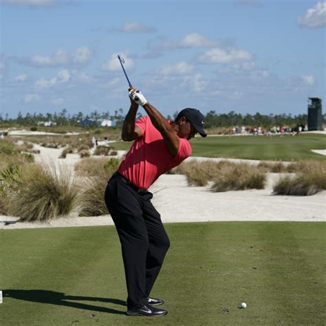 Golf Swing Tiger Woods by Breaking Tiger Woods New Swing Golf Digest