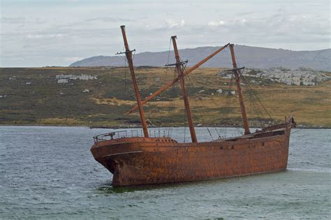 ark boat beached file lady elizabeth shipwreck img 6593 jpg wikimedia commons