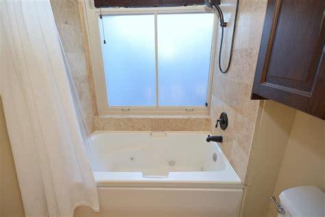 Shower Jet Tub Combo