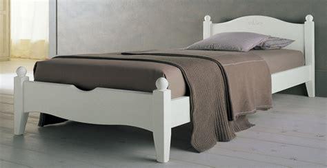 letto una piazza e mezza legno letto rondine da una piazza e mezza in abete