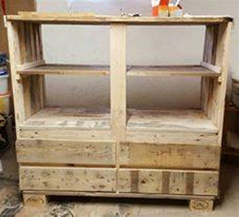Diy Wooden Wardrobe by Diy Pallet Wardrobe Pallet Ideas Recycled Upcycled