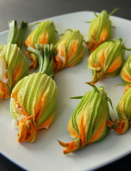 fiori di zucca crudi fiori di zucca cotti e crudi