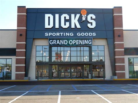 s sporting goods store in staten island ny 626