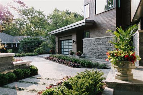 landscaping walkway to front door walkway and gardens to front door midcentury landscape