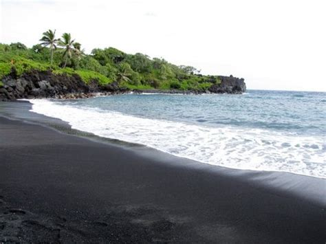 black sand beach in maui wow pinterest 17 best images about my snap shots on pinterest downtown