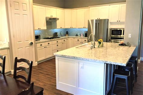 kitchen cabinet refacing palm cabinet refacing kitchens baths more palm desert
