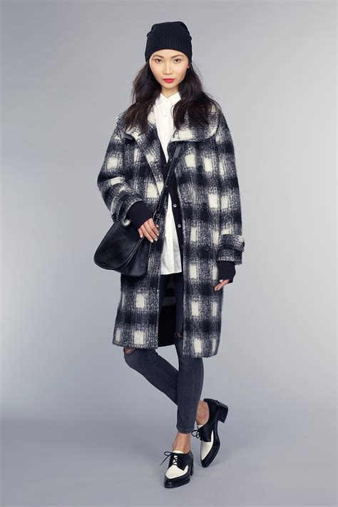 Winter Fashion Trends How To Wear Plaid by Fall Winter Style Looks In Banana Republic S