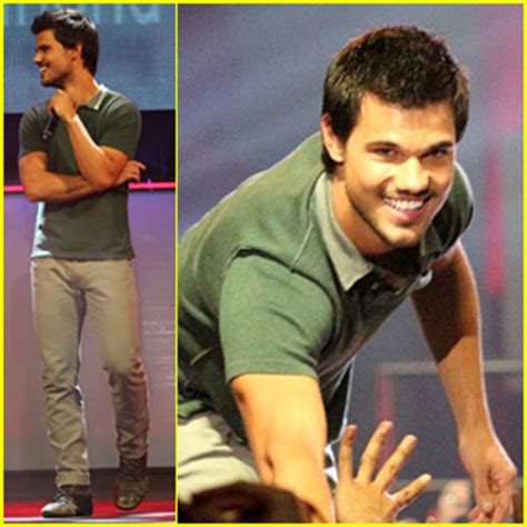 bench philippines clothes taylor lautner promotes bench clothing in the philippines taylor lautner just jared