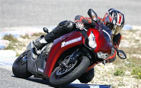 Motorrad Magazin Reifentest by Michelin Reifentest Testbericht