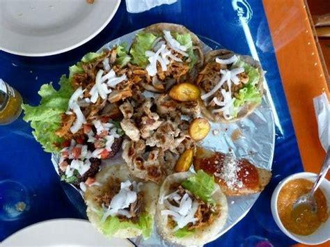 comida de yucatan mexico foto de plaza maya valladolid comida messicana tipica