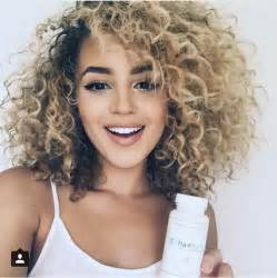 getting hair curled and color 1000 ideas about layered curly hair on pinterest trendy