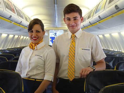 Based Cabin Crew by Ryanair Cerca Nuove Hostess Basta Un Altezza Di 157 Centimetri Corriere It