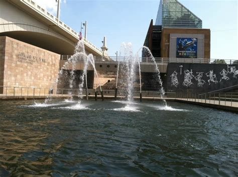 power 94 chattanooga boat ride a tribute to the cherokee indians with the tn aquarium in