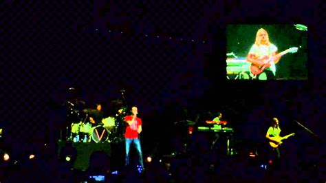 8428 Manila Maron daylight maroon 5 manila concert