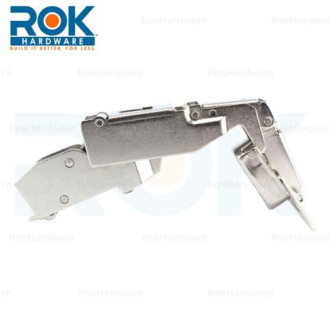 self closing cabinet hinges won t close blum 170 deg clip top half crank on self close