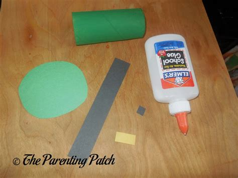 toilet paper roll leprechaun hat craft parenting patch