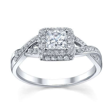 6 Princess Cut Engagement Rings She'll Love   Robbins