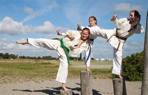 Karet Gir Karate Related Keywords Suggestions Karate