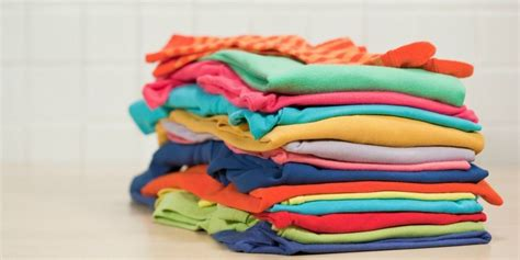 Ideas For Kitchen Decorating by Clothes Folding Tricks How To Fold Clothes