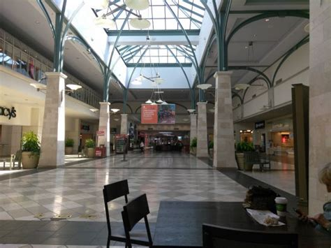 layout of castleton square mall a fountain in the m iddle of the mall genius picture