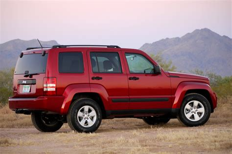 2010 jeep liberty 2010 jeep liberty sport review photo gallery autoblog