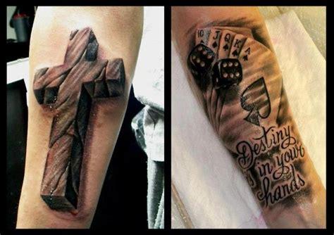 tattoo 3d brazo tatuaje brazo cruz dados hacha espadas 3d por delirium tattoo