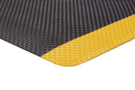 10 X 10 Heated Matting - supreme sliptech anti fatigue safety mat pyramid top