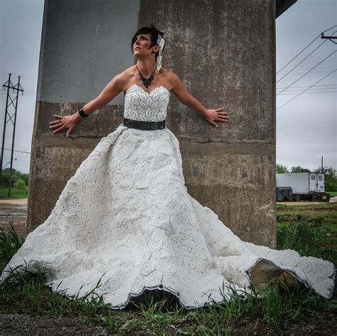 How To Make A Dress Out Of Tissue Paper - a wedding dress made out of toilet paper ny daily news