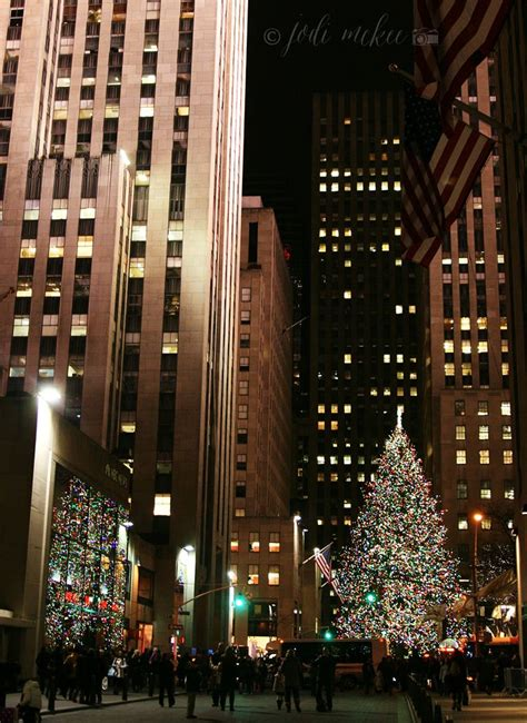rockefeller center christmas tree wallpaper it s time in the city a free wallpaper happy