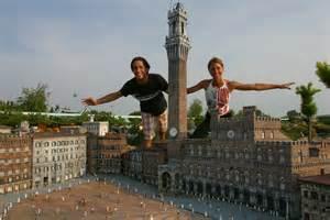 Stone Corbels The Square Of The Famous Palio In Siena Italia In Miniatura