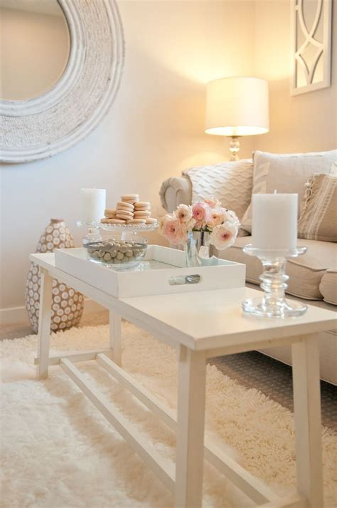 White Table For Living Room by 20 Modern Living Room Coffee Table Decor Ideas That