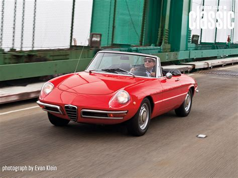 classic alfa romeo wallpaper 1969 alfa romeo 1750 spider front three quarters photo 2