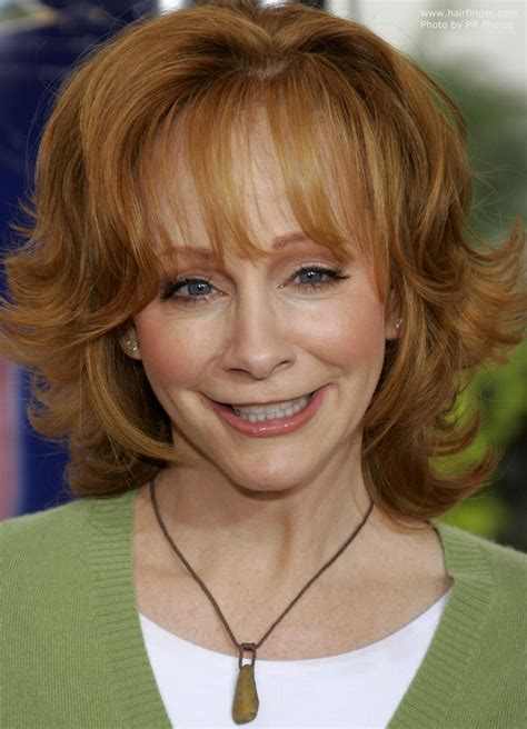 who cuts rebas hair reba mcentire s practical and bouncy red hair with flipped