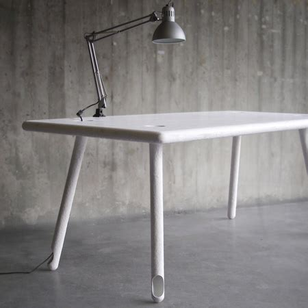 desk that hides wires computer desk hides wires in its legs www nicespace me
