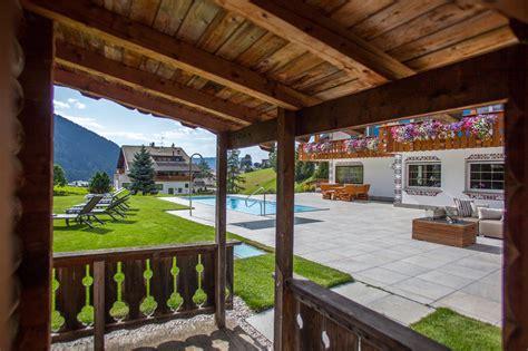 piscine e giardini piscine e giardini giardini duarredo e landscape with