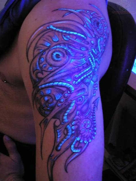 uv tattoo uv on shoulder