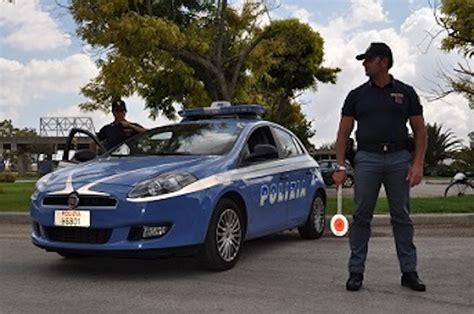 volanti polizia estate sicura volanti della polizia di stato in co per