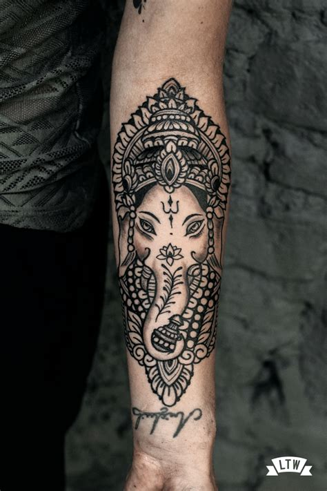 ganesha tattoo con significado ganesha tatuada por manu