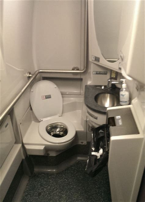 are there bathrooms on amtrak trains are there bathrooms on amtrak trains 28 images amtrak october 2003 chicago la