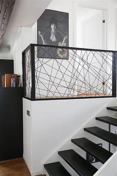 corrimano scale interne oltre 1000 idee su ringhiere scala su