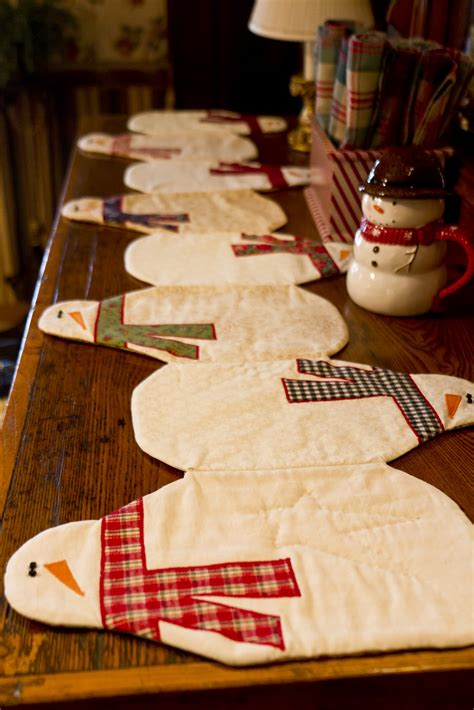 wendys hat snowman table runner sewing