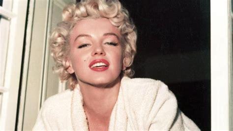 file marilyn monroe house composite jpg wikimedia commons 100 marilyn monroe file marilyn monroe 1952 jpg
