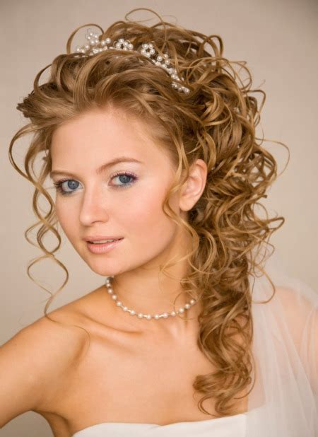 Wedding Hairstyles For Curly Hair Half Up Half by Ideas On Half Up And Half Wedding Hairstyles
