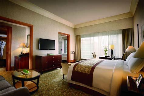 grand room jakarta 5 hotel the ritz carlton jakarta mega kuningan