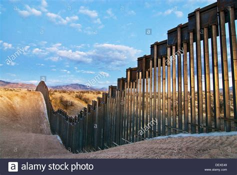 borders fences and walls state of insecurity border regions series books united states border fence us mexico border east of