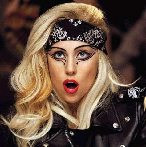 """Lady Gaga To Receive """"ICON"""" Award at Songwriter's Hall of"""