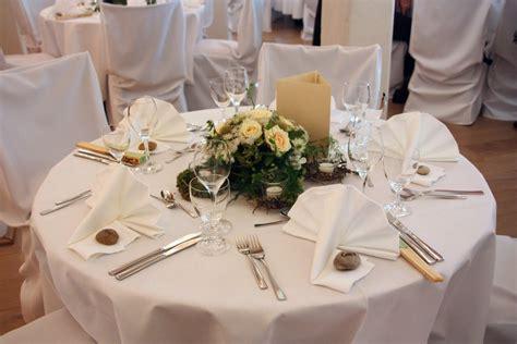 Deko Hochzeit Tisch by Blumendeko Runder Tisch Bildergalerie Hochzeitsportal24