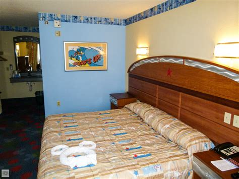 all room disney s all sports resort accessible room rolling with the magic