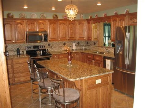 kitchen flooring ideas with oak cabinets kitchens with oak cabinets and tile floors jardina s