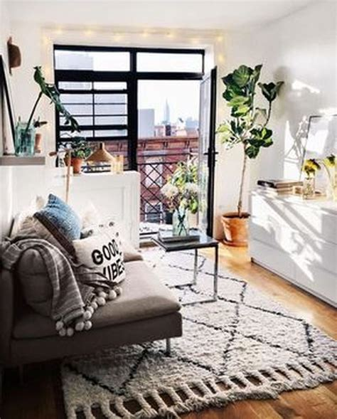 25 best ideas about studio apartment decorating on ideas for tiny studio apartments latest bestapartment 2018